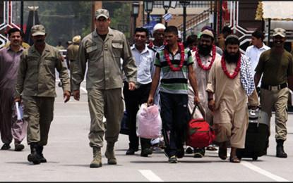 India sets nine Pakistanis free