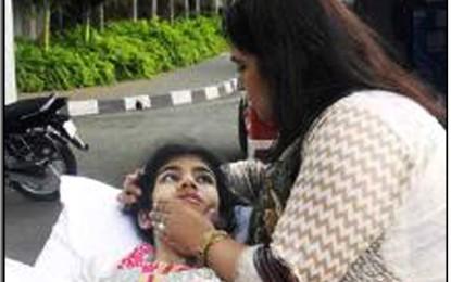 Indians crowdfund Pakistani girl's medical treatment