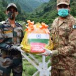 India, Pakistan soldiers exchange Eid sweets at border